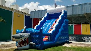 brinquedo inflavel-tobogã tubarão