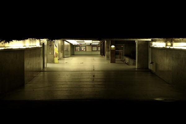 vienne nuit métro karlsplatz