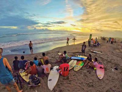 surfing pantai parangtritis