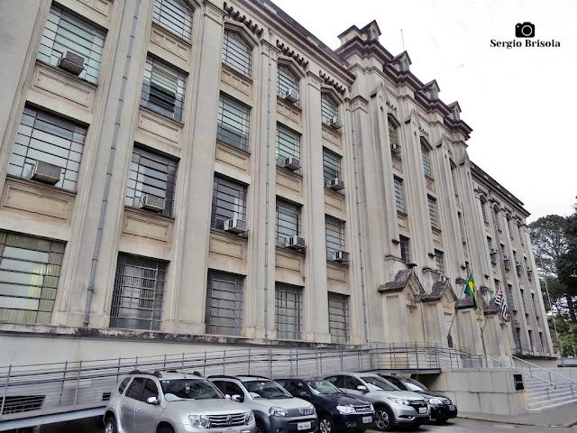 Vista da fachada do Instituto Adolfo Lutz - Central - Cerqueira César - São Paulo