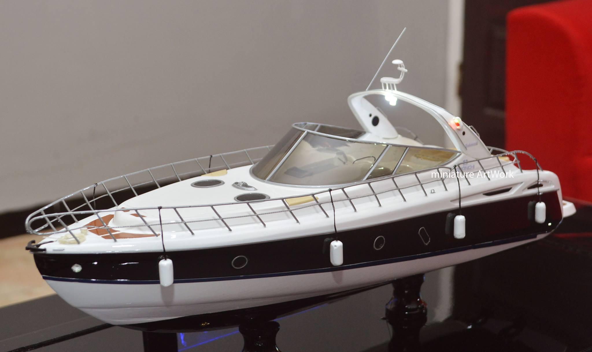 miniatur kapal yacht cranchi 41 endurance rumpun artwork temanggung planet kapal indonesia
