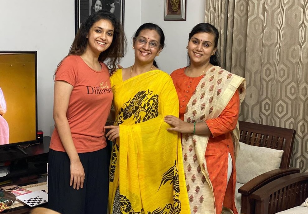 Keerthy Suresh with Lovely Smile along with her Amma Menaka Suresh and Akka Revathy Suresh