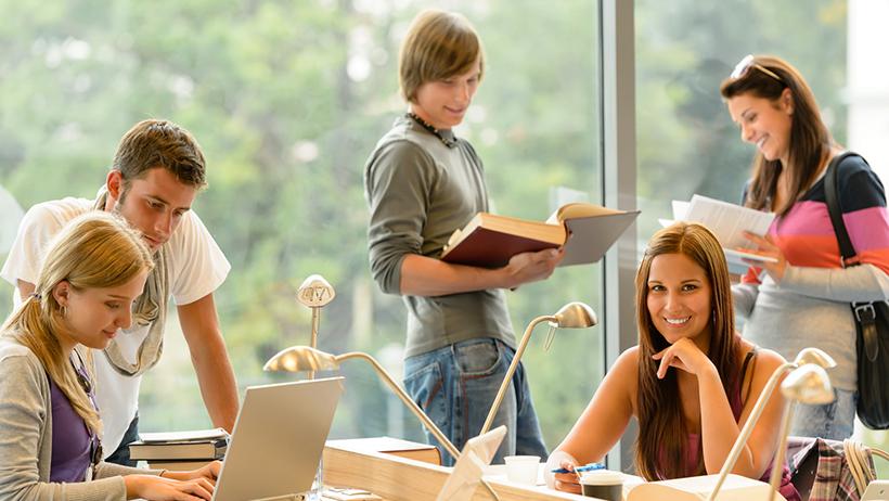 Коммуникативная Методика Обучения Иностранным Языкам, Задача и построение обучения