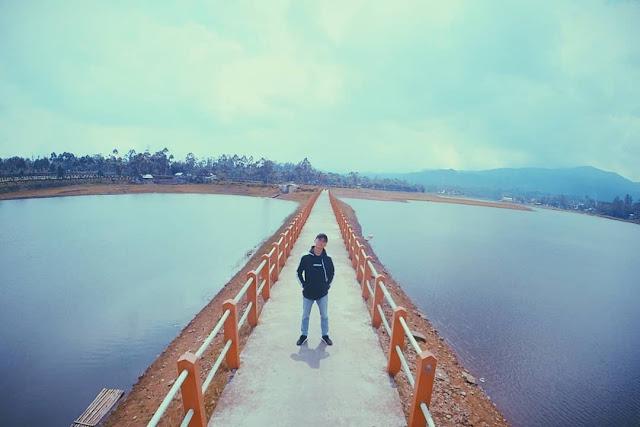 jembatan-cinta-situ-cileunca-pangalengan-bandung-notes-asher