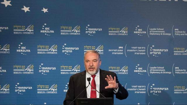 Lieberman pide boicot a los árabes que ondean banderas de Hezbolá