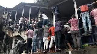 22 dead, nearly 40 injured in Mumbai bridge stampede