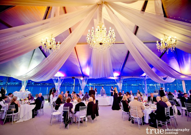 Fabulous drapery ideas for weddings part 2 belle the - Decoracion con lamparas ...