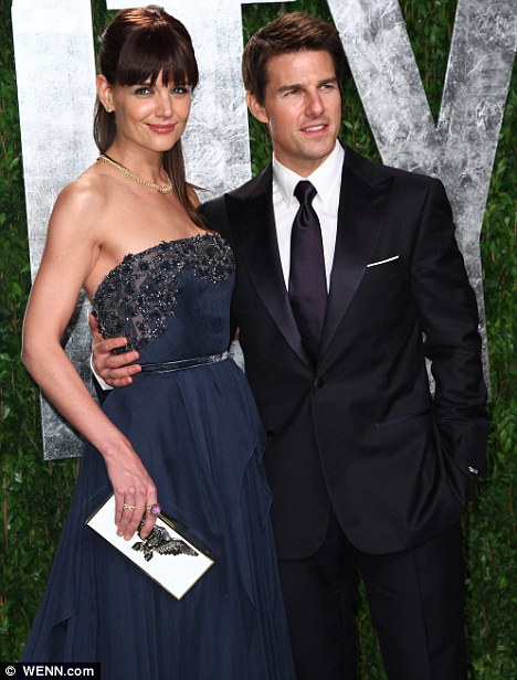 GREENWICH NEWS: Tom Cruise Finally Divorces His Wife
