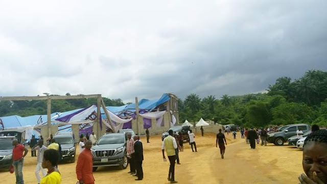 Governor Udom escapes death as Reigners Bible church collapses in Uyo [PHOTOS]