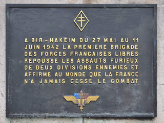À Bir Hakeim du 27 mai au 11 juin 1942 la première brigade des FFL repousse les assauts furieux de deux divisions ennemies