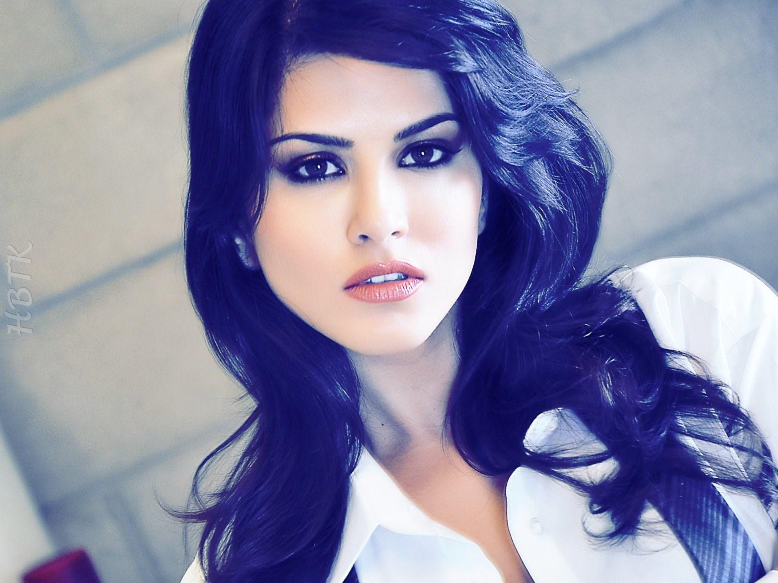 Sunny Leone Hot Porn Photo