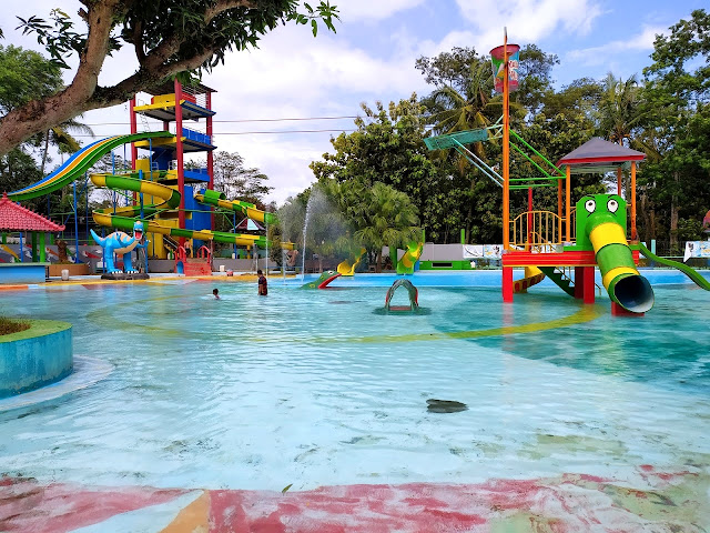 gambar waterboom mulia kudus