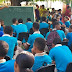 INCREIBLE CARAMBA: Estudiantes de liceo de Jaragua inician docencia en una calle.
