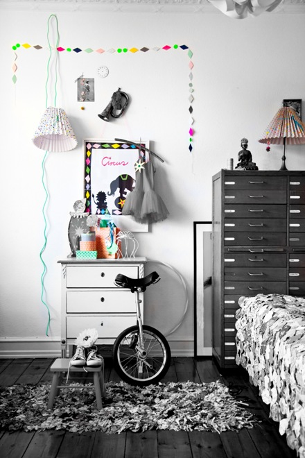 little helsinki rie elise larsen. Black Bedroom Furniture Sets. Home Design Ideas