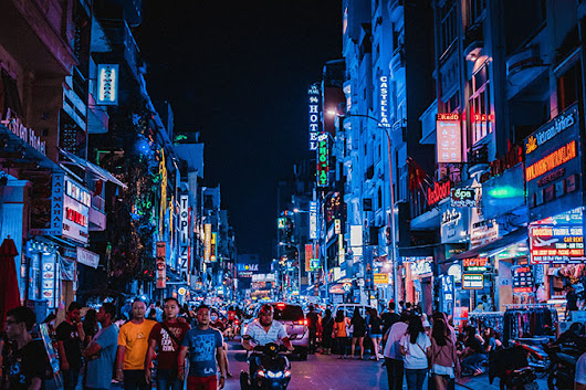 The Guide to the Best Nightlife Activities in Ho Chi Minh City - CleverMunkey | Events. Food. Gadget. Lifestyle. Travel.