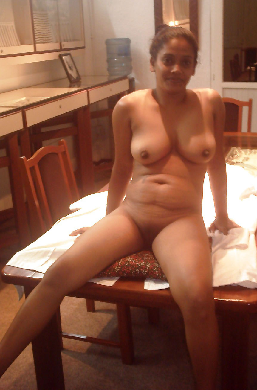 Beautiful naked blond girlfriend
