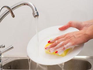 Fakt! Janganlah Malas Cuci Piring, Pekerjaan Rumah Ini Nyatanya Dapat Redakan Stres