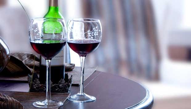 Tips Menyimpan Sampanye dan Anggur