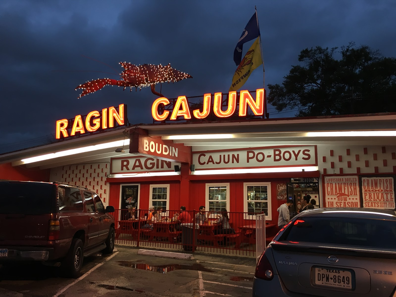Ragin Cajun crawfish seafood Gulf shrimp oysters