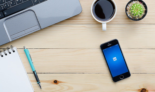 23 Ways You Can Update Your LinkedIn and Make Yourself More Hireable