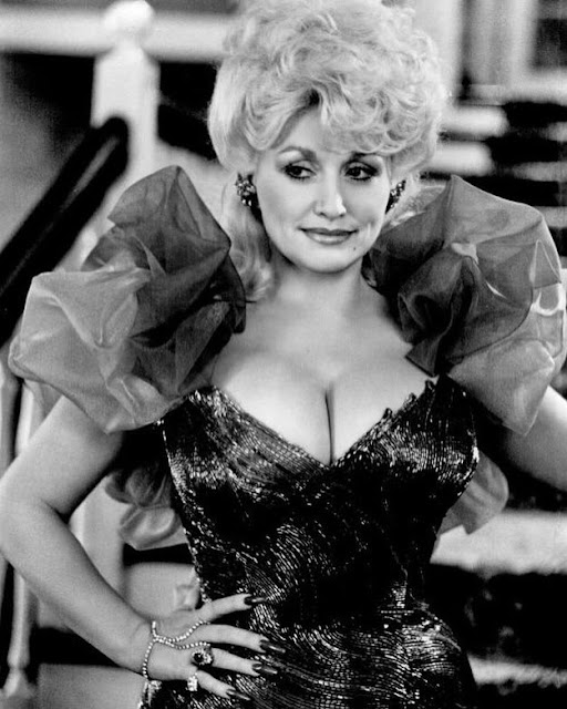Dolly Parton Hot & Sexy pics