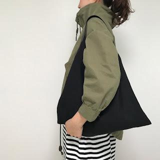 リネンと革のバッグ