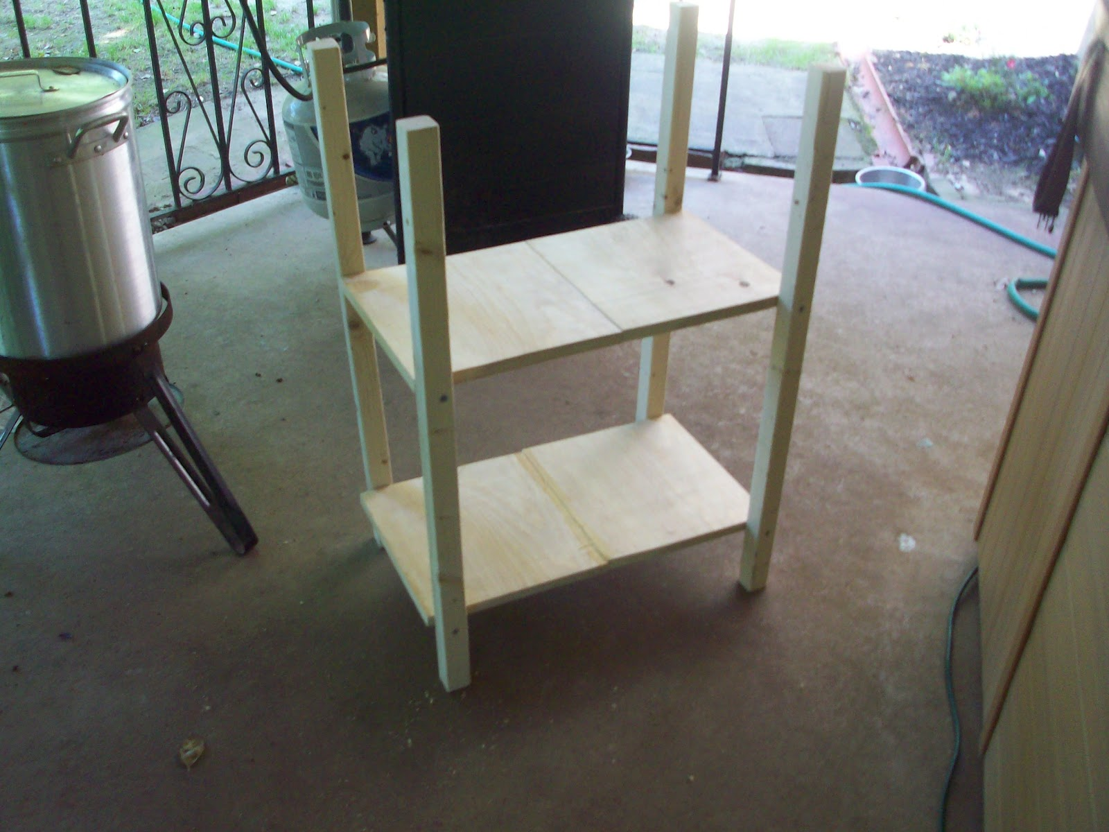 Diary of the Unexpected Housewife: Building a Desk for Under $50