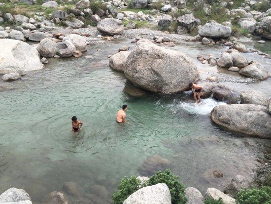 Palampur Tourist Attraction : Neugal Khad Palampur