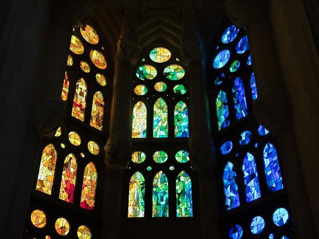 صور زجاج ملون في مدينة برشلونة