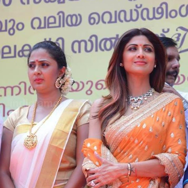 Kaniha latest photos in saree from Mahalekshmi Silks Inauguration