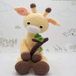 http://www.tarturumies.com/2017/09/13/amigurumi-patron-la-jirafa-alfa/