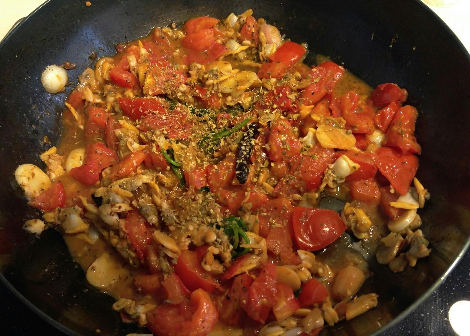 羅勒蜆肉鮮茄扁麵 Basil. clam and fresh tomatoes linguine ~ Rita Shum