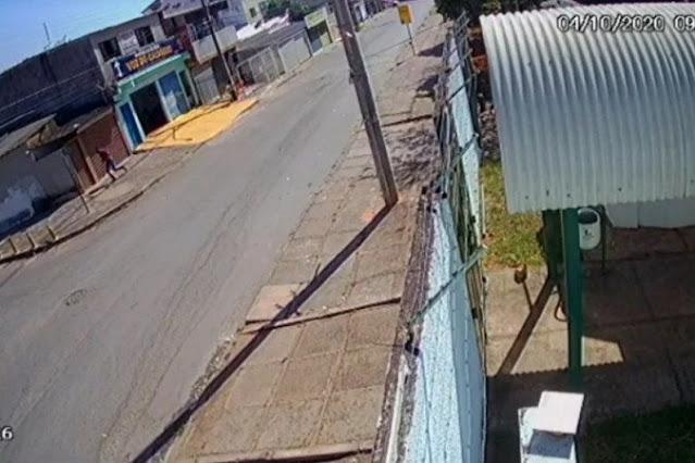 VÍDEO: Câmera mostra entrada de assassino de pastor em igreja