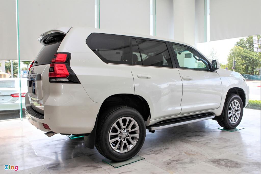 Chi tiết Toyota Land Cruiser Prado 2020 giá 2,379 tỷ đồng tại Việt Nam