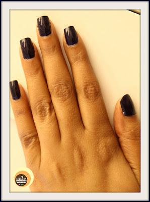 Swatches, NOTD of Revlon 490 Urban Nail Enamel, blue nail polish
