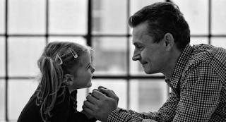 Μεγαλώνοντας χωρίς πατέρα τον αναζητάς σε όλη σου τη ζωή