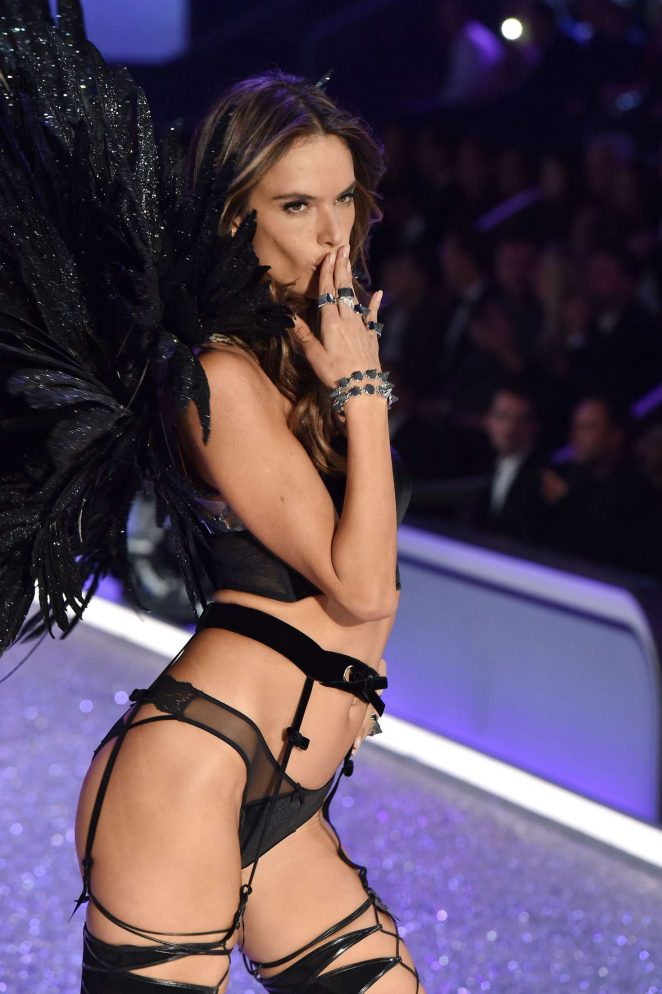 Alessandra Ambrosio dazzles at the 2016 Victoria's Secret Fashion Show in Paris