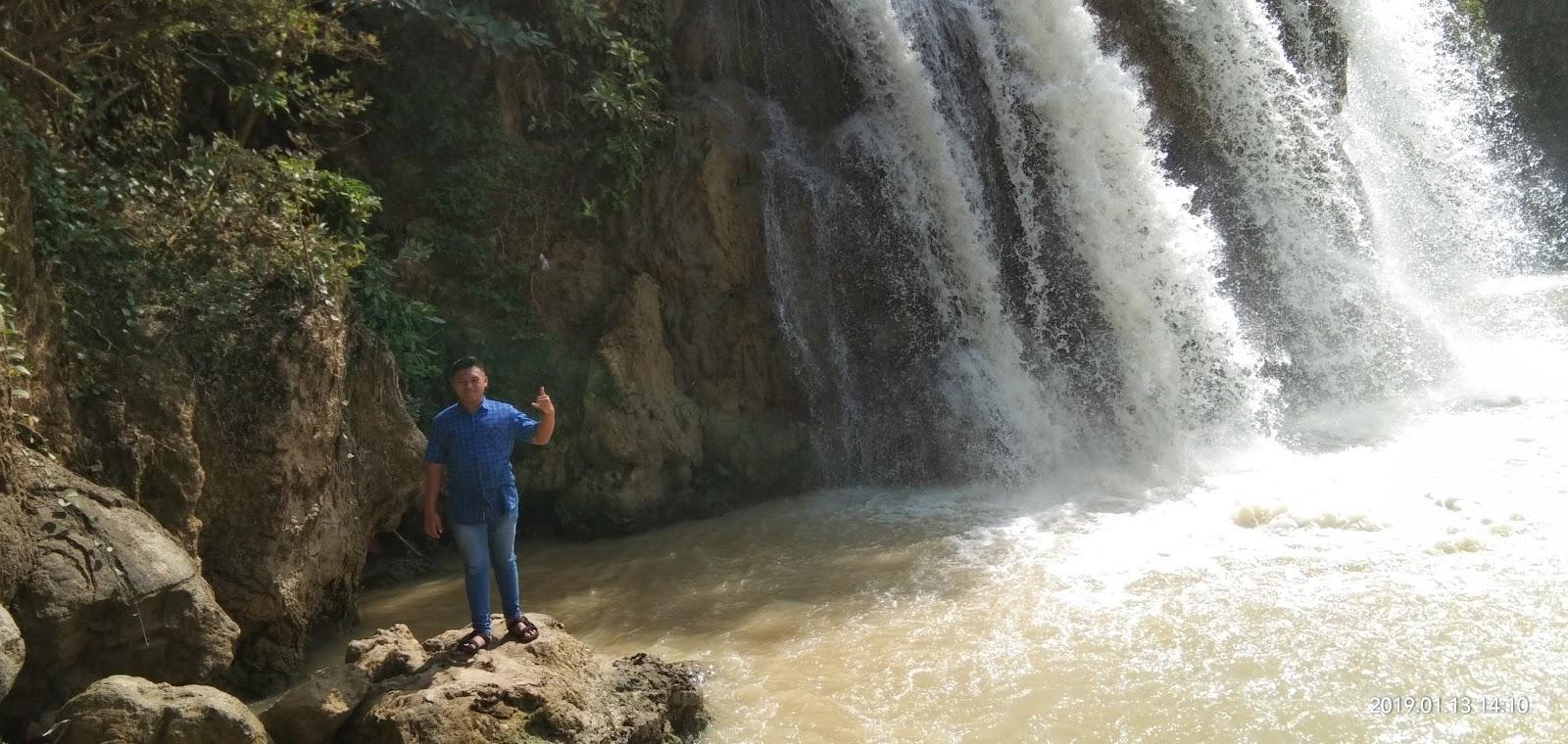 Tempat wisata di madura : WISATA AIR TERJUN TOROAN