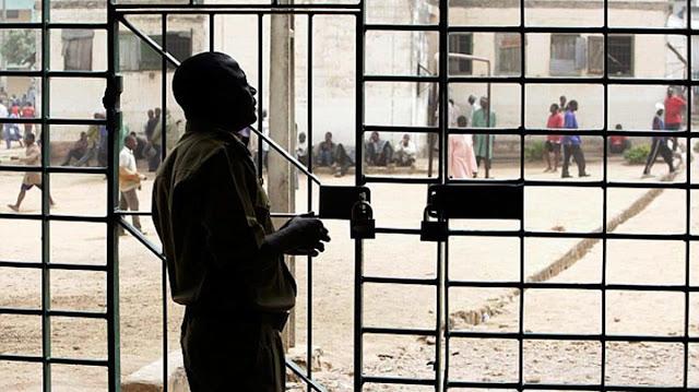 COVID-19: Kwara Governor free 101 prison inmates