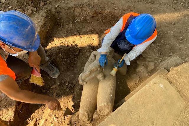 Δύο αγάλματα Κούρων βρέθηκαν στο ναό του Διός Λεψίνου στην Εύρωμο