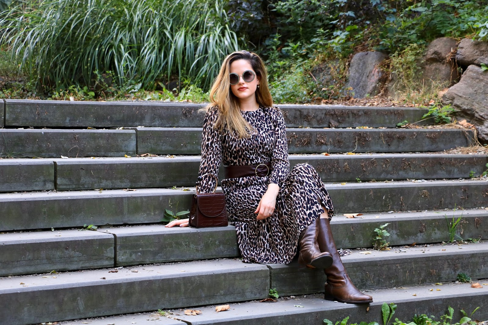 Nyc fashion blogger Kathleen Harper wearing an expensive-looking fall outfit.