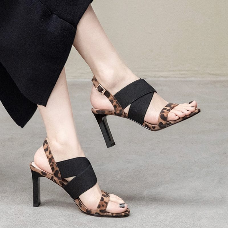 Open toe chunky heels sandals