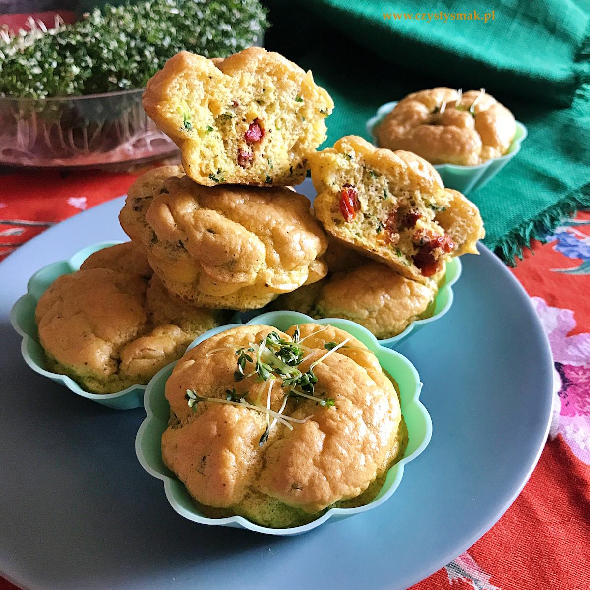 Jajeczno-orkiszowe muffiny z rzeżuchą