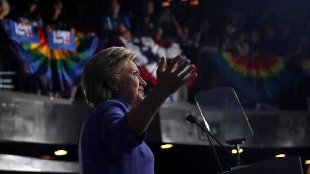 FBI aprieta el cerco a Clinton con otros 650 mil correos