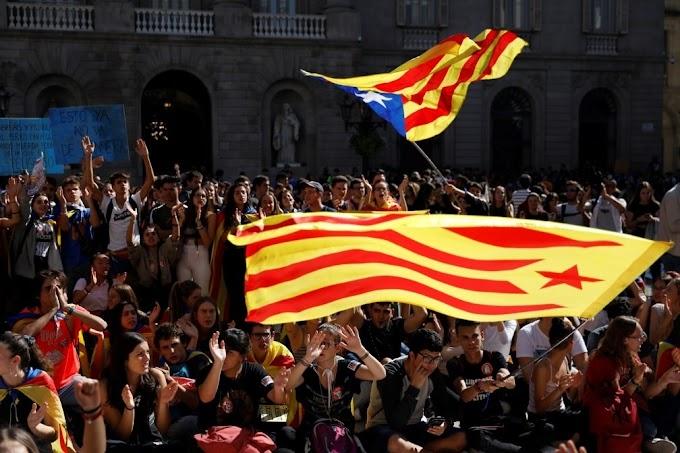 Líder da Catalunha pede novo referendo após noite de protestos