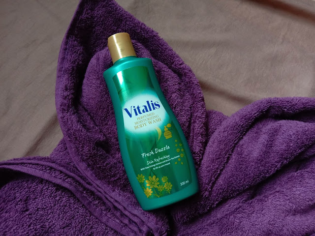 Vitalis Perfumed Moisturizing Body Wash Fresh Dazzle Skin Refreshing