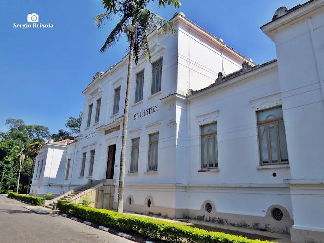 Vista lateral do Edifício Vital Brazil - Instituto Butantan - São Paulo