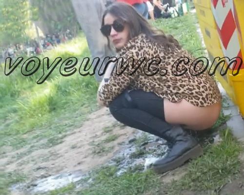 Girls Gotta Go 176 (Voyeur pee videos - Drunk spanish chicks peeing in public at festival)