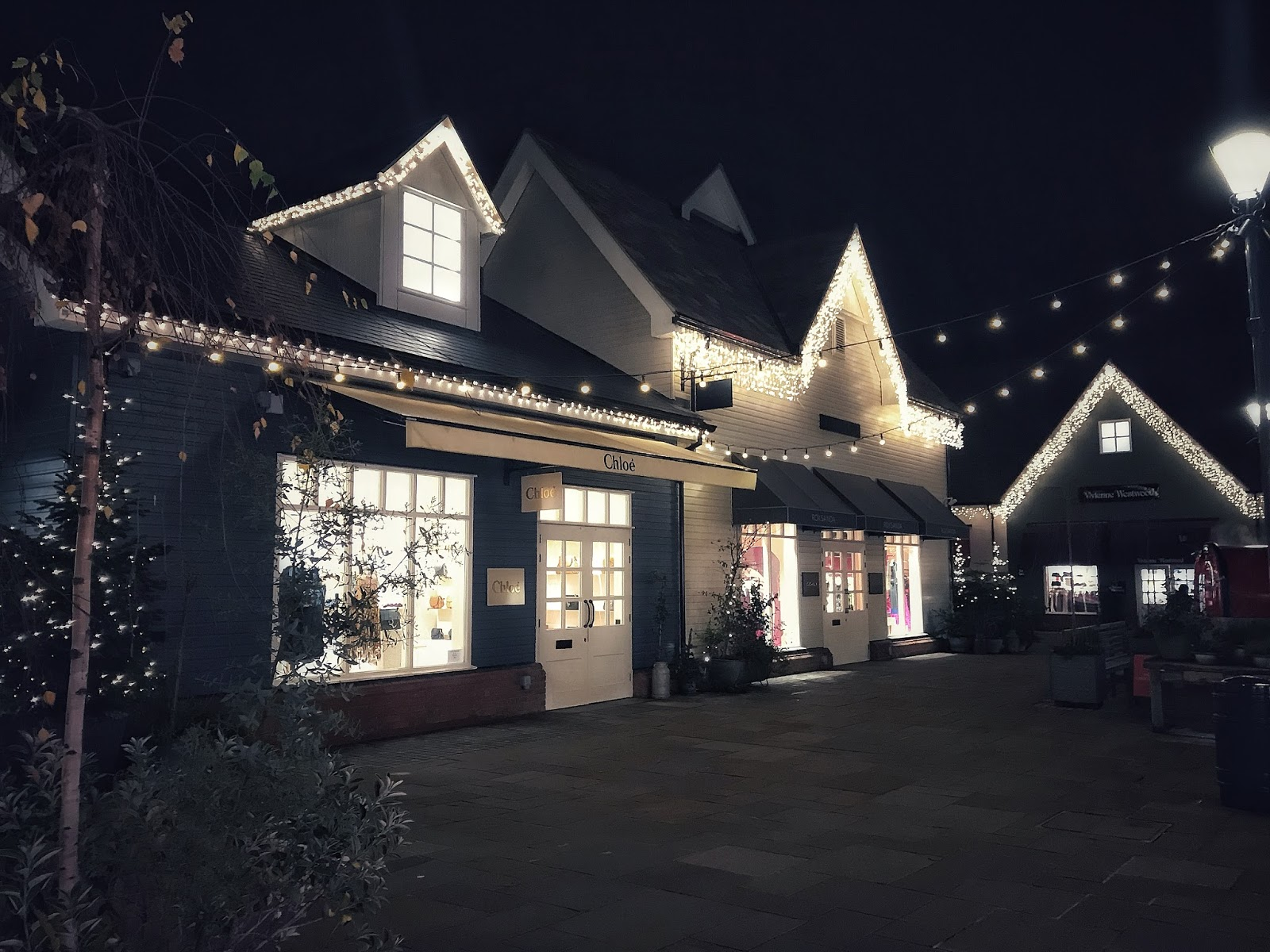 Bicester Village Christmas Shopping at night