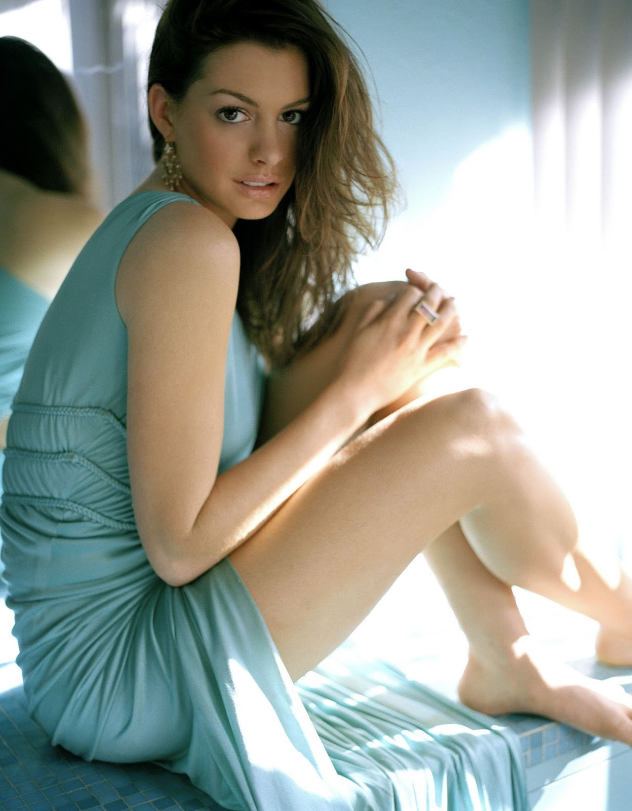 Celebrity Celebritys Anne Hathaway Profile And Latest